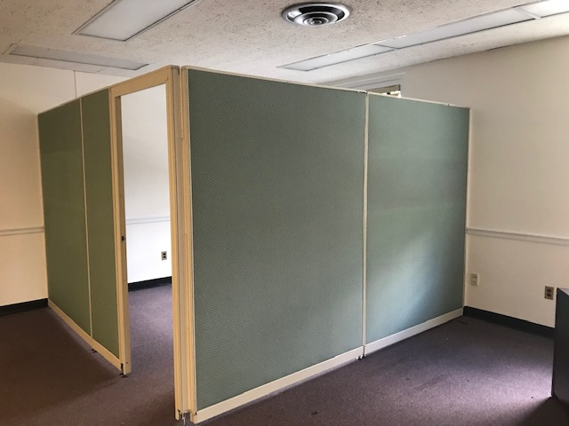 10 foot panel exclosure with door